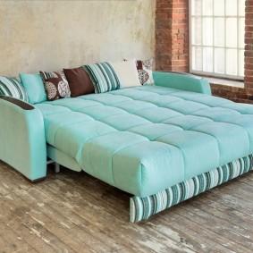 Удобный диван с комфортным местом для сна