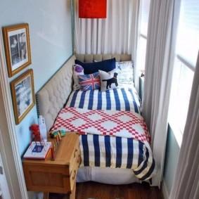 Спальное место на застекленном балконе