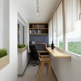 Узкий столик на стене длинной лоджии