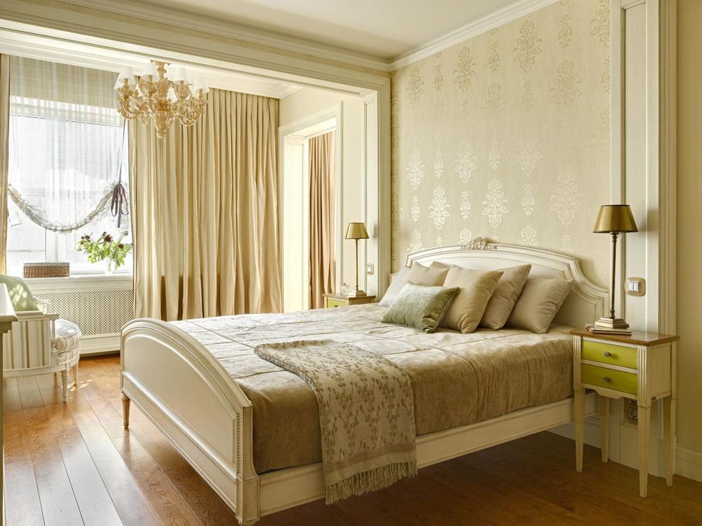 Декор спальной комнаты обоями с шелкографией