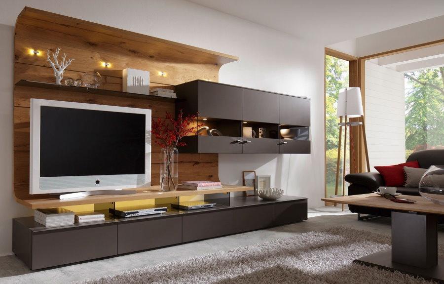 Стенка для телевизора из современных материалов