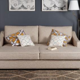 Прямой диван с текстильной обивкой