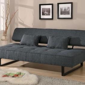 Серый диван с откидной спинкой