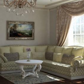 Классическая гостиная с мягкой мебелью