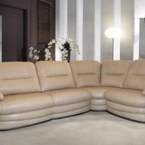 Угловая модель дивана с обивкой из эко кожи