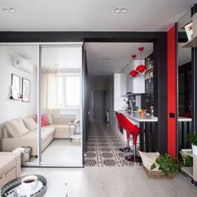 Зеркальный шкаф в интрьере современной квартиры