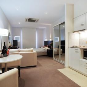 Светлая квартира с отделкой современными материалами