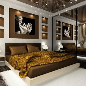 Декоративные ниши в спальне с коричневым потолком
