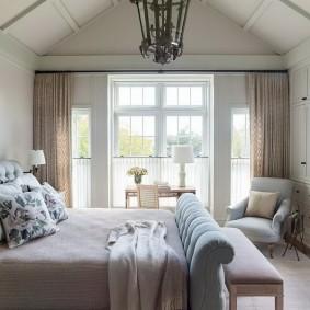 Небольшая спальня в дачном домике