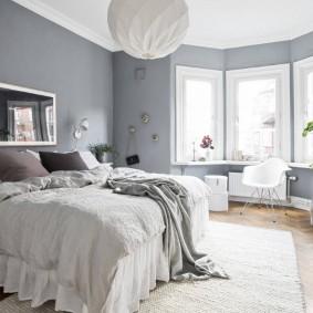 Оформление интерьера спальни с эркером