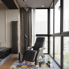 Интерьер балкона после объединения с гостиной