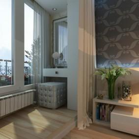 Дамский столик на балконе в спальне