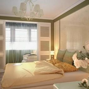 Современный интерьер спальни с балконом
