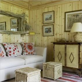 Отделка стен в гостиной стиля кантри
