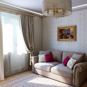 Небольшая комната в неоклассическом стиле