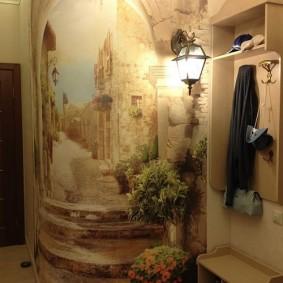 открытая вешалка на стене в коридоре
