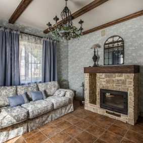 Небольшая гостиная в стиле прованса