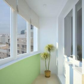 Простая отделка стен и потолка теплого балкона