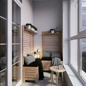 Простая мебель в интерьере лоджии