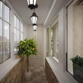 Садовые фонарики на потолке балкона