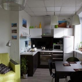 Интерьер кухни после объединения с гостиной