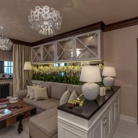 Подвесная витрина в кухне-гостиной