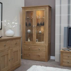 Простая мебель из сосны для гостиной комнаты