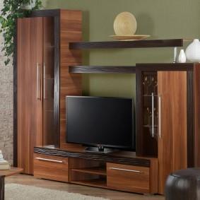 Мебельный гарнитур с отделкой под дерево