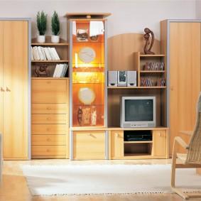 Модульный гарнитур в светлой гостиной
