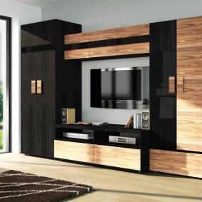 Комбинированная отделка фасадов на мебельной стенке
