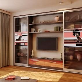 Встроенная мебель в стене гостиной комнаты
