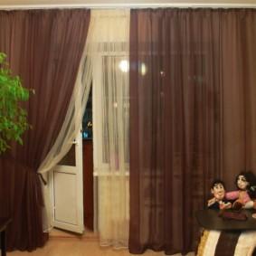 Полупрозрачные шторы коричневого цвета