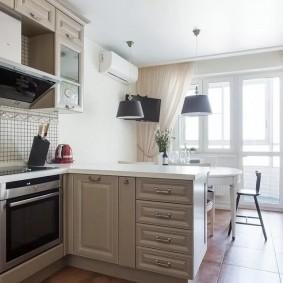 Кухонный полуостров с выдвижными ящиками