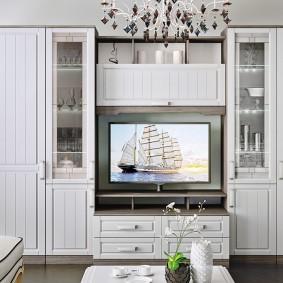 Мебельная стенка с деревянными фасадами