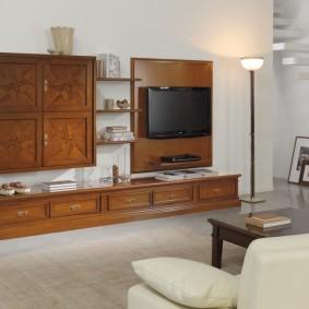 Мебельный гарнитур с фасадами из массива дерева