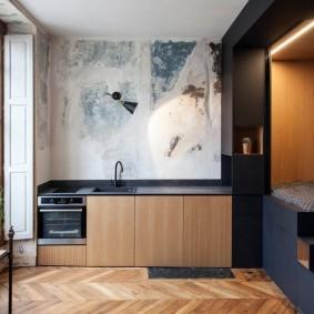 Спальное место на подиуме в квартире-студии