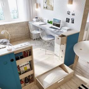 Рабочее место для двоих в квартире-студии