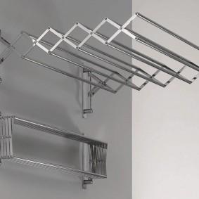 Фото складной сушилки для лоджии и балкона