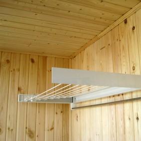 Обшивка стен лоджии деревянной вагонкой