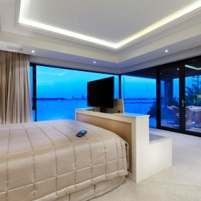 Светодиодная подсветка на потолке спальни