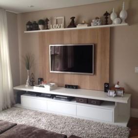 Компактная стенка с тумбой под телевизор