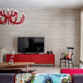 Красная тумба с гладкими фасадами