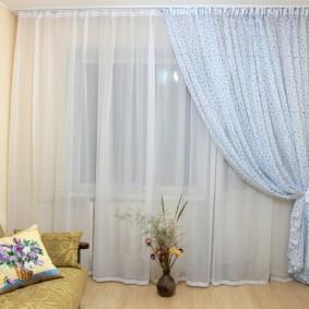 Белые шторы из легкой ткани