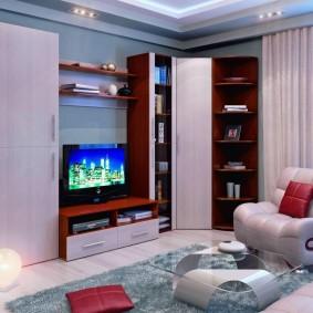 Круглый светильник на полу в гостиной