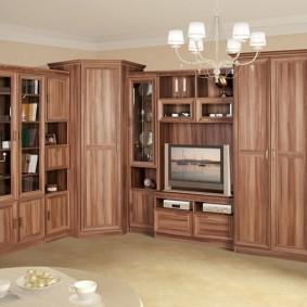 Угловая стенка с двумя платяными шкафами