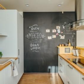 Грифельная доска в интерьере кухни
