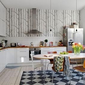 Обои с деревьями в интерьере кухни