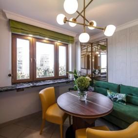 Интерьер кухни с удобным диванчиком