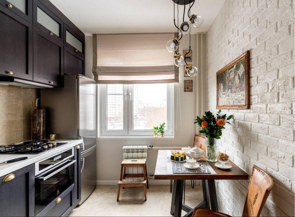 Расстановка мебели в уютной кухне