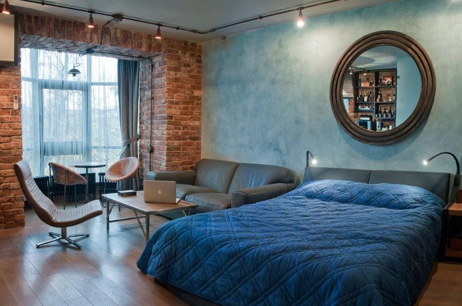 Кирпичная отделка проема между спальней и лоджией